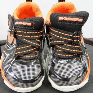 Black and Orange Baby Sketchers Size 6
